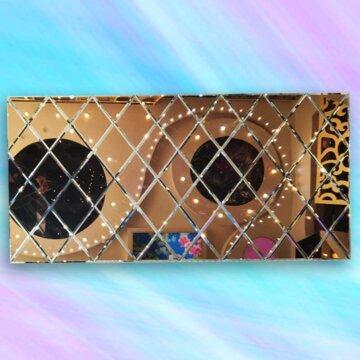 آینه دکوراتیو طرح لوزی دورنگ شرابی - نقره ای